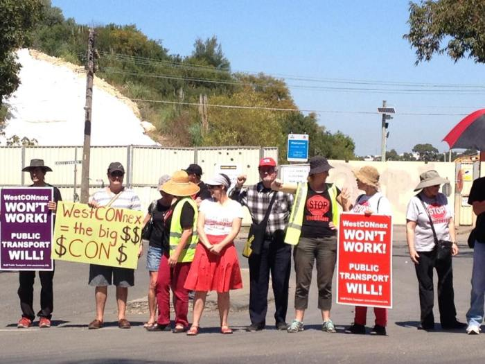 Westconnex Action Group protestors outside the landfill in 2015.